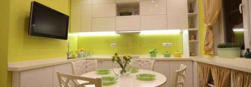 Натяжной потолок на кухне – гид по выбору