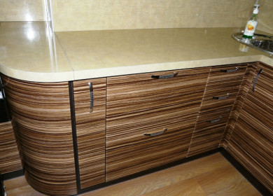 Кухня зебрано в интерьере: фото примеры, оттенки, варианты оформления