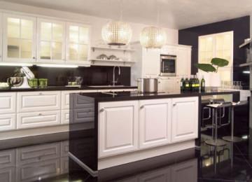 Белая кухня с черной столешницей (+85 фото): дизайн и идей в интерьере