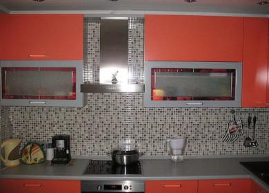 Мозаика для кухни на фартук: виды, достоинства и недостатки, монтаж