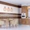 Потолок из пластиковых панелей на кухне: виды, дизайн, монтаж