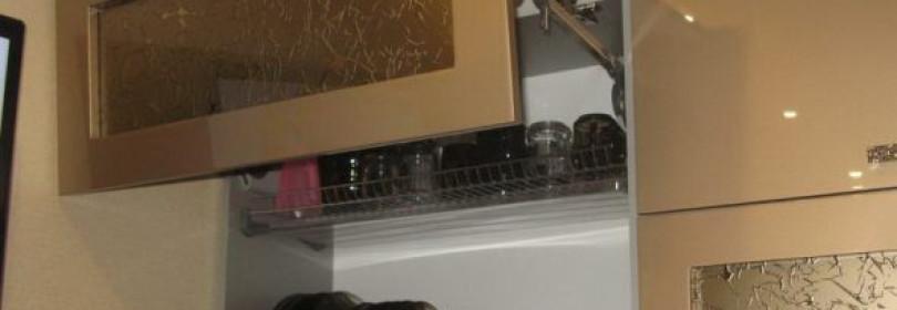 Сушилка для посуды в кухонный шкаф: виды и установка